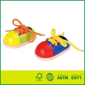 Wholesale EN71/ASTM Qualified Birch Wood Wooden Lacing Toys Intelligent Wooden Shoe