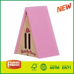 2017 Wholesale Wooden Triangle Wood Butterfly House for Kids Outdoor Toys