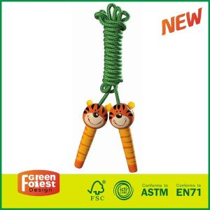 2017 Wholesale Wooden Skipping Rope Kids Outdoor Toy Jump rope With Wood Painted Handle