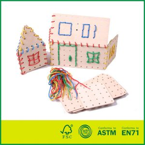 Top Quality Plywood Non-toxic Intelligent Wooden Lacing Board Educational Toys For Kids