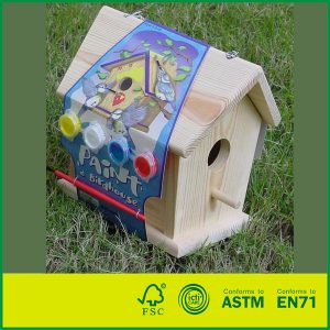 Build And Paint Intelligent Outdoor Toys Pine Wood DIY Children Play Wooden Bird Houses