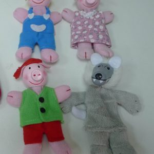 finger puppets-three little pigs